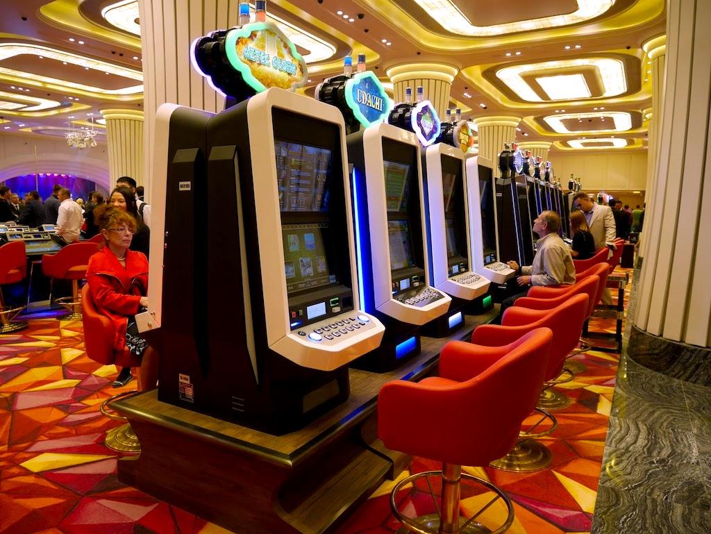 通博-水晶虎宫殿赌场内伍丰制造的博彩游戏机台